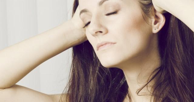 リンパやツボを刺激する育乳マッサージ方法
