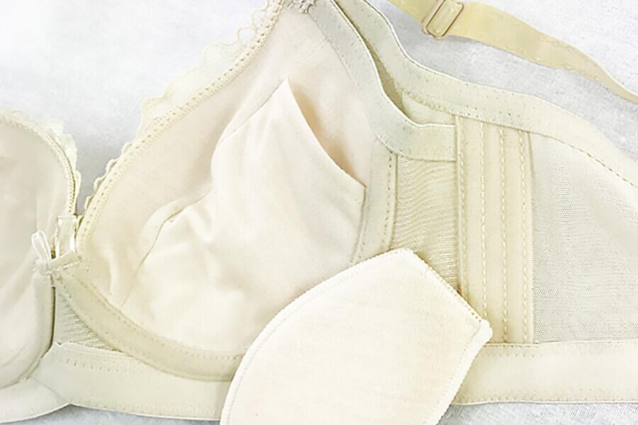 ブラジャーのカップ内側にポケットがあるタイプのブラジャーパッド