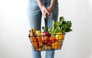 ダイエットしながらバストアップするための基本的な栄養素
